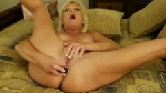 Ms Paris Rose In Anal Rubber Toy Orgasms With Triple Penetration