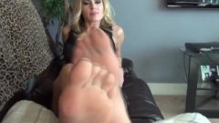 Randy Moore – Footjob Degradation